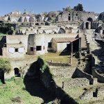 古代都市ポンペイは1日で火山灰にのまれた!発掘調査で遺体が見つからない点在する空洞の真相は?【世界まる見え】